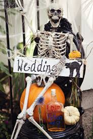 30 chic fun halloween wedding ideas by theme
