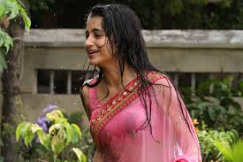 Tamil Actress Trisha Bathroom Pictures Galleries Trisha Latest Bath Transparent Spicy Photoshoot Images In Pink