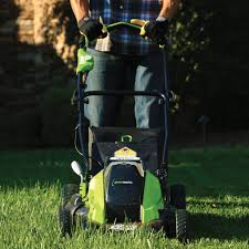 lawn mowing service shares u201ccutting u201d tips for every season the