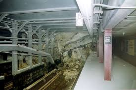 imagenes fuertes del world trade center rubble covers the tracks of the new york city subway 1 and 9 lines