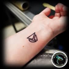μικρά τατουάζ acanomuta tattoo studio