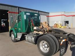 2005 kenworth t300 day cab semi truck for sale 342 526 miles