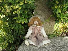100 Family Garden Longmont 100 A Price Guide For Your Antique Dolls