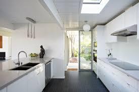 cuisine avec porte fenetre inspirations à la maison excitant porte fenetre cuisine porte et