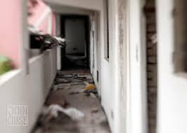 abandoned apartment hallway kimchibytes