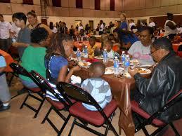 thanksgiving dinner in sarasota fl ryan nece foundation serves 800 thanksgiving dinners tbo com