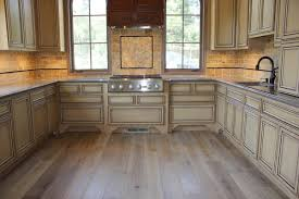 u shape kitchen decoration using light brown travertine tile