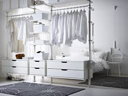schlafzimmer system die besten 25 offener kleiderschrank ideen auf