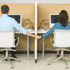 relation au bureau amour au bureau 10 conseils pour sauver votre carrière jobat be