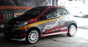 mobil honda sport modifikasi pelek mobil honda brio dengan pelek rcg jd3126 hsr r16