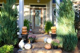 fall yard decorations ideas best 25 mums and pumpkins ideas on