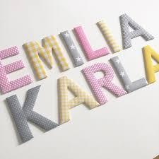 buchstaben t r kinderzimmer stoffbuchstaben in rosa gelb grau für die beiden schwestern emilia