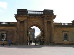 file chatsworth house facade of chatsworth house england jpg