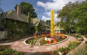 Botanic Gardens Denver Free Days Dale Chihuly Artwork Thieves In Custody In Denver