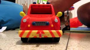 benaya opens venus fireman sam firetruck toy בניה פותח את מתנת