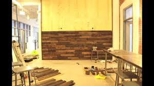 wall made from reclaimed pallet wood