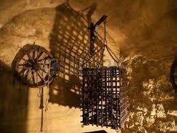 chambre des tortures cage de chambre république tchèque banque d images et photos
