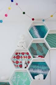 Diy Honeycomb Shelves by Diy Honeycomb Shelves U2013 Craftbnb