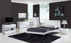 Black And White Bedroom With Brown Furniture Black And White Bedroom Decor Rustic Bedside Cabinets Webb Brown