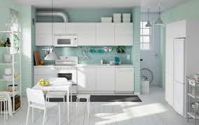 peinture mur cuisine tendance couleur pour une cuisine lovely couleur pour cuisine 105 idées de