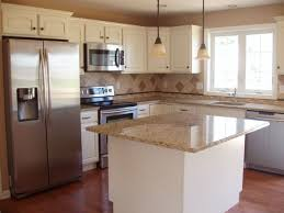 Kitchen Remodel Before And After by Best 25 Raised Ranch Kitchen Ideas On Pinterest Raised Ranch
