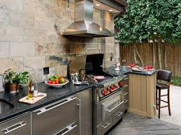 Designs For Outdoor Kitchens by Outdoor Kitchen Trends Diy