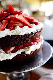 Decorative Ways To Cut Strawberries Chocolate Strawberry Nutella Cake The Pioneer Woman