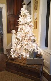 White Christmas Tree Decorated Best 25 Small White Christmas Tree Ideas On Pinterest Flocked