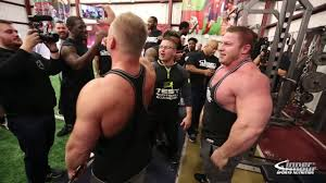 225 bench competition bodybuilders vs football players youtube