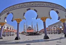 masjid agung jawa tengah sebuah masjid dengan arsitektur cantik