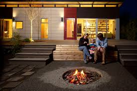 Backyard Campfire Come Gather Round The Backyard Campfire Fire Pits Look Local