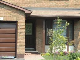what color to paint the front door and surrounding brick