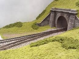 Garden Railway Layouts Oo Model Railway Layout Two Sections 4 1 2ft X 17 5 Dc Or