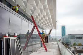 new moscone center strives for elegance amid enormity san