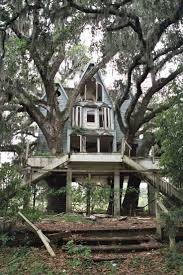 496 best home tree houses images on pinterest treehouses