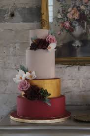 10 perfect marsala wedding cakes