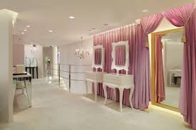 attractive jewellery shop decorating ideas with luxurious ceiling