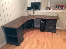 Wood Corner Desk Plans by Best 25 Diy Computer Desk Ideas On Pinterest Computer Rooms