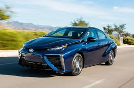 2017 toyota mirai reviews and rating motor trend