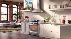 relooker une cuisine ancienne refaire une cuisine ancienne relooker la cuisine meubles moderne