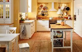 cuisine chaleureuse cuisine traditionnelle en bois photo 7 12 voici une cuisine