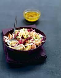 cuisiner des harengs frais recette salade de pommes de terre aux harengs fumés et tomme de