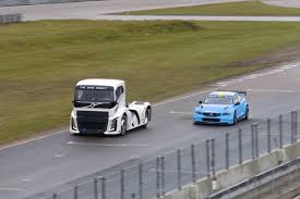 volvo track video volvo world touring car versus truck head to headturnology