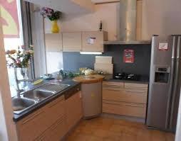 modele cuisine en l modele de cuisine en l placard cuisine moderne meubles rangement