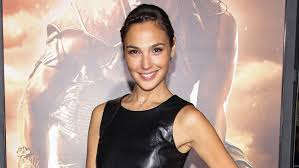 keeping up with the joneses gal gadot in talks to join jon hamm zach galifianakis in u0027keeping