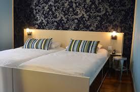 chambre lit jumeaux chambre avec 2 lits séparés hôtel à dans le 11ème