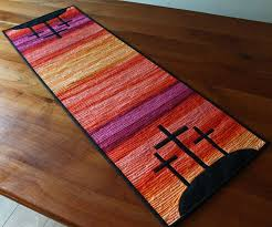 Quilted Table Runners by Best 10 Cross Quilt Ideas On Pinterest Baby Quilt Patterns