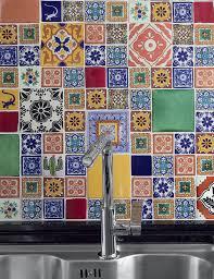 Portuguese Tiles Kitchen - 4 cozinhas pequenas e lindas kitchens wall tiles and pantry ideas