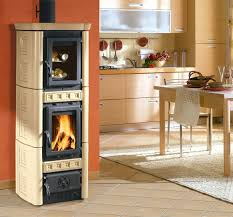 poele à bois pour cuisiner poêles à bois gaia forno la nordica extraflame