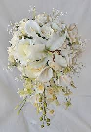 bouquet of lilies white callas lilies and roses bouquet